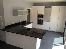 plan de travail cuisine noir paillet prix plan de travail granit noir cuisine blanc laque plan de avec
