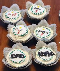 personalize cupcakes for dad using sugar sheets