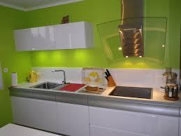 cuisine mur vert pomme decoration de cuisine nouvelle angleterre