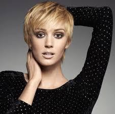 low lights for blech blond short hair blonde short hair with lowlights women medium haircut
