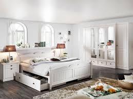Kleiderschrank Landhaus Schlafzimmerm El Ideen Geräumiges Schlafzimmer Holz Modern Landhausstil
