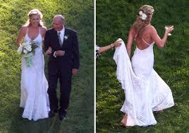 rebecca romijn wore a floor length ralph lauren wedding gown with