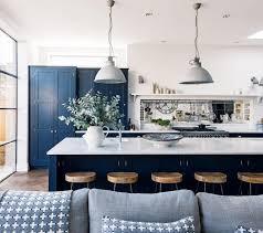 cuisine bleue et blanche cuisine bleu marine simple decoration murale cuisine les meilleures