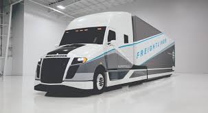 new volvo truck 2015 freightliner turns heads with supertruck concept vehicle