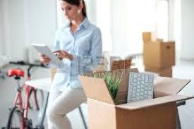 femme nue au bureau déménagement bureau banque d images vecteurs et illustrations