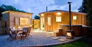 cool cabin top 20 cool cabins in the uk
