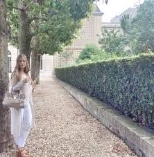 is it safe to travel to paris images Paris alone my tips on how to travel alone and stay safe jpg
