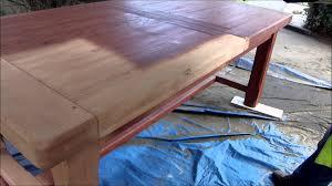 vernis table cuisine agréable repeindre cuisine en chene massif 8 une cuisine en bois