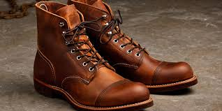 womens boots wing how to in your pair of wing boots askmen