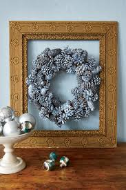 40 diy christmas wreath ideas how to make holiday wreaths crafts
