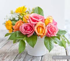 Floral Arrangement Easy Diy Flower Arrangement Using Tape And Curly Willow The Elli