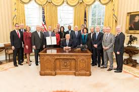 trump oval office pictures here u0027s how trump u0027s cabinet compares to obama u0027s business insider