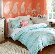 perfect for a teen or love the light peach coral walls