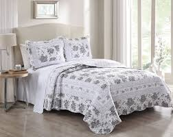 Off White King Bedroom Sets 3 Piece Rhonda Gray Off White Quilt Set