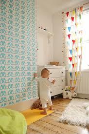 comment décorer la chambre de bébé décorer un pan de mur avec nos idées en 42 photos