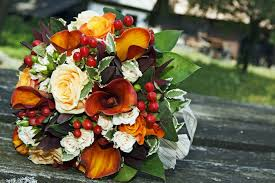 wedding flowers autumn seasonal wedding flower trends autumn weddingplanner co uk