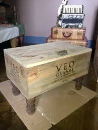 Wine Crate Coffee Table Diy by I Love This Upcycled Wine Crate Coffee Table Great Ideas