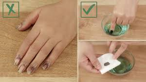 how to remove dark nail polish without staining your fingers