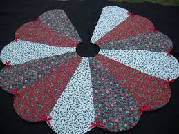 33 best quilted tree skirts images on