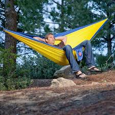 double parachute hammock with carabiners and free pair of quick