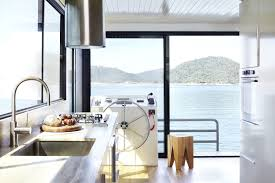 lake eildon houseboat