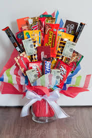 halloween candy wreath celebrate with these 20 diy candy bouquets