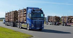 volvo trucks facebook the new scania streamline u0026 volvo fh16 750 samec 2013 youtube