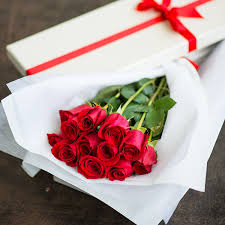 flowers in a box one dozen roses in gift box send to philippines roses box to