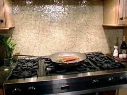 Modern And Versatile White Glass Tile Backsplash Designs Ideas - White glass tile backsplash
