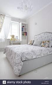 Schlafzimmer Helle Farben Elegantes Schlafzimmer In Weiche Helle Farben Stockfoto Bild