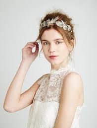 feather hair accessories how to choose hair accessories for your wedding