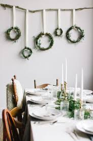 Centerpiece For Dining Table by Best 20 Modern Christmas Decor Ideas On Pinterest Modern