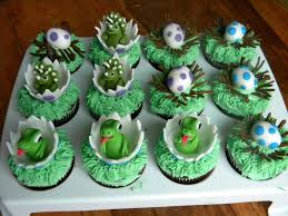 dinosaur cupcakes dinosaur cupcakes caking therapy