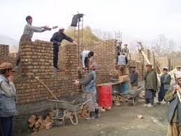 file afghan laborers building a in 2005 jpg wikimedia commons