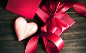 Valentines Day Gifts by Be Mine Valentines Day Gifts That Are Worth Committing Too Huffpost