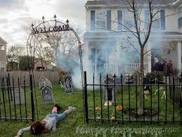 Non Scary Outdoor Halloween Decorations by Not Scary Halloween Decorations 71 Not Scary Halloween Decorations