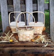 thanksgiving table favors country party favors basket mini picnic baskets hay decor