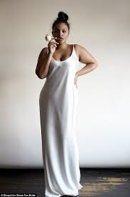 Wedding Dress For Curvy Stone Fox Wedding Dress Collection Debuted By Plus Sized Model
