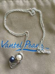 love pearl necklace images Mothers love necklace two oyster openings 69 vantel pearls jpg