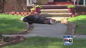 Halloween Scare Pranks 2015 by Halloween Dummy Decoration In Detroit Scares Neighbors