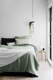 Earthy Room Decor by Best 25 Sage Green Bedroom Ideas On Pinterest Sage Bedroom