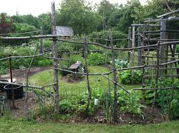 Build Vegetable Garden Fence by Landscaping Fascinating Cheap Fencing For Landscaping Yard Home
