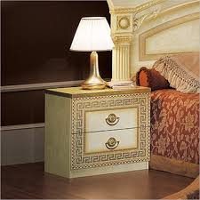Meaning Of Nightstand 199 Best Nightstands Images On Pinterest Antiqued Mirror