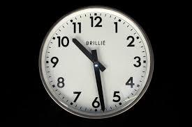decoration industrielle vintage horloge brillie ancienne usine decoration industrielle vintage