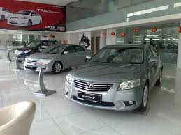 toyota car showroom how to purchase a car how to guide expat echo dubai