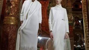 paule ka siege social fashion week de pour les femmes la cravate est de mise
