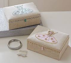 classic svan ring holder images 89 best jewelry jewelry boxes gt jewelry boxes holders images jpg