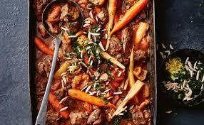 la cuisine au four pour préparer tajine d agneau aux abricots sec au four je vous
