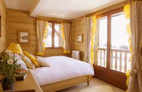 Small Bedroom Decor Ideas 38 Images Attractive Yellow Bedroom Design And Decoration Ambito Co