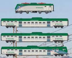 carrozze treni acme treno regionale trenord composto da una locomotiva e 464